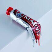 Lo queremos todo diferente y especial, incluso la pasta de dientes 🦄 Cuando pruebas los dentífricos de Marvis, con sus sabores únicos y su diseño vintage, ya no hay vuelta atrás.